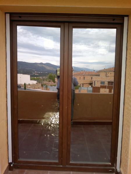 Puerta balconera pvc materiales de construcci n para la for Puerta balcon pvc
