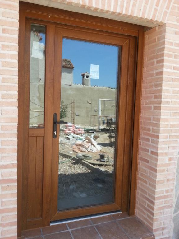 Puertas de pvc veka oon la mayor calidad confort mayor - Puertas de exterior de pvc ...